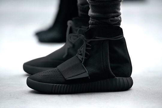 adidas yeezy 750 boost all black