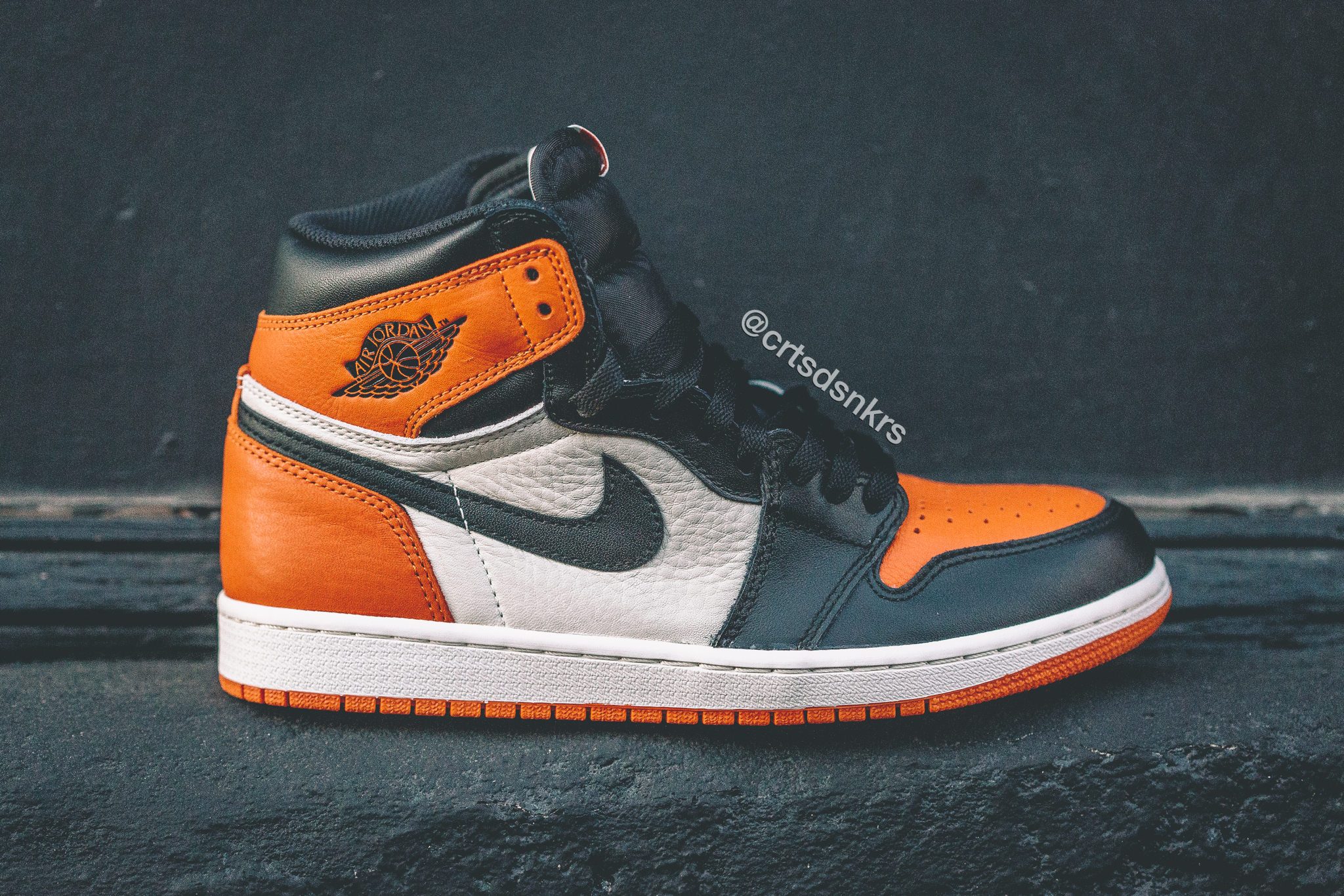 dfc53adfbe76 AJ1 Shattered Backboard – A Closer Look via Courtside Sneakers – The ...