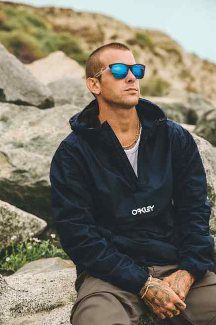 Oakley_FROGSKINS-LITE_RyanSheckler_Lookbook-2